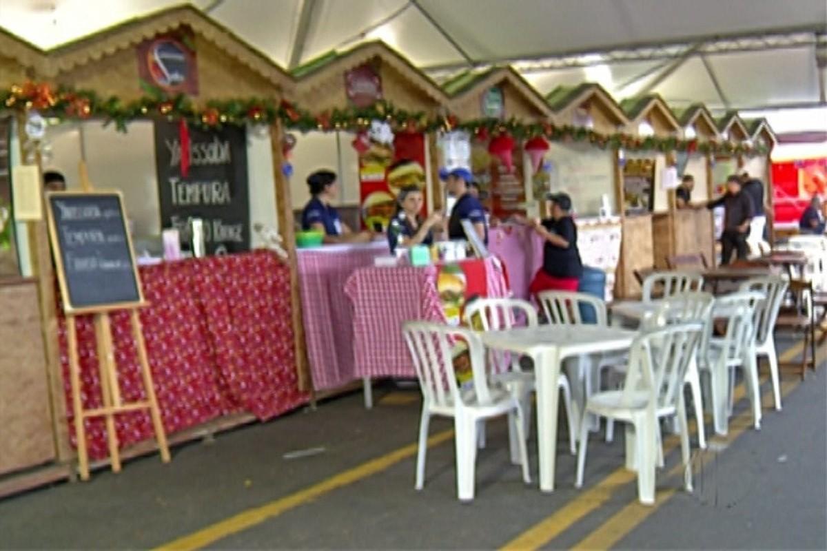 Decoração de Natal atrai turistas e movimenta restaurantes em Guararema