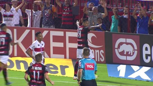 O gol de Atlético-GO 1 x 0 CRB pela 23ª rodada do Campeonato Brasileiro da Série B