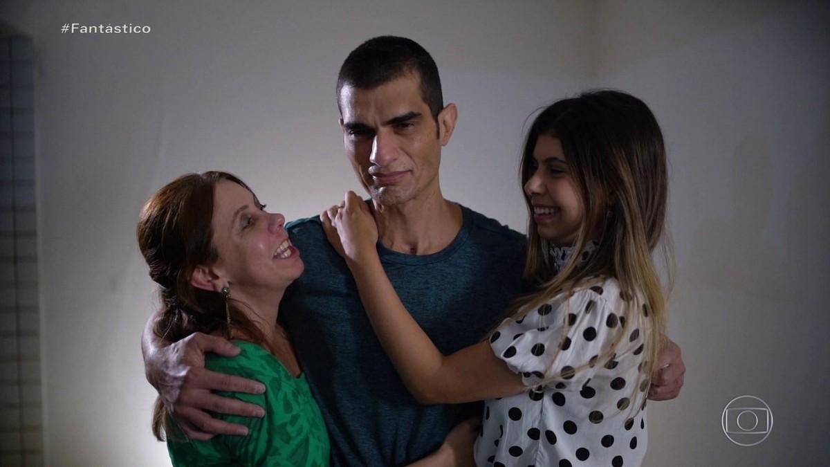 Na véspera de receber rim doado pela mulher, vítima da Backer se emociona: 'gesto de amor'