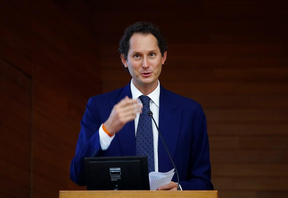 Presidente da FCA, John Elkann, participu de evento em Milão nesta segunda-feira (27) — Foto: Alessandro Garofalo/Reuters