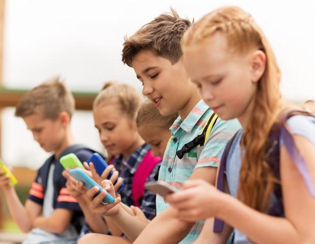 Idade média das crianças quando ganham seu primeiro dispositivo é 9 anos (Foto: Thinkstock)