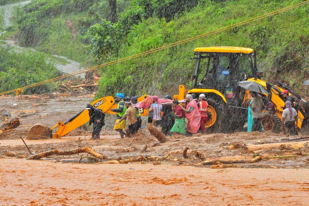 Em Kerala, 120 mil pessoas foram resgatadas — Foto: Reuters