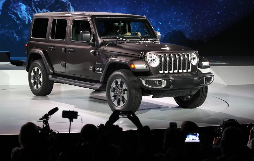 Novo Jeep Wrangler manteve a tradição no visual, mas trocou muita coisa por dentro (Foto: Lucy Nicholson/Reuters)