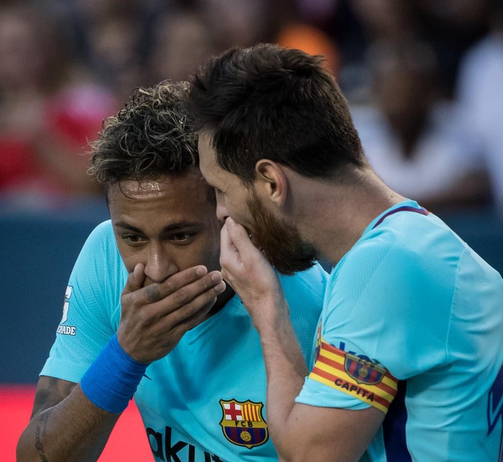 Segundo imprensa francesa, Neymar teria telefonado para Messi — Foto: Getty Images