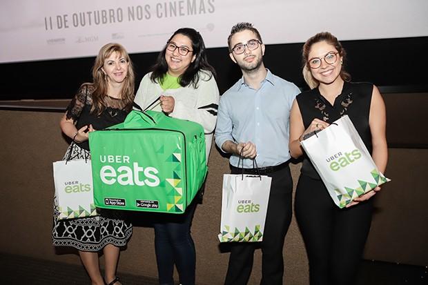 O Uber Eats distribuiu brindes nas sessões (Foto: Nicolas Calligaro/ Divulgação)