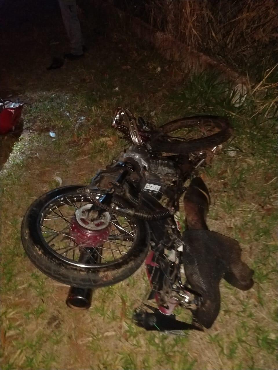 Colisão frontal entre carro e motocicleta mata jovem de 19 anos, em Martinópolis