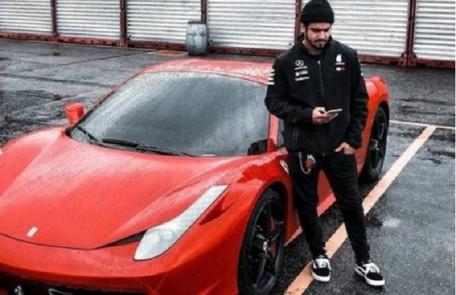 Caio Castro, que tem uma Ferrari, já contou no YouTube que usa o carrão até para percorrer distâncias curtas em seu bairro Reprodução/Instagram
