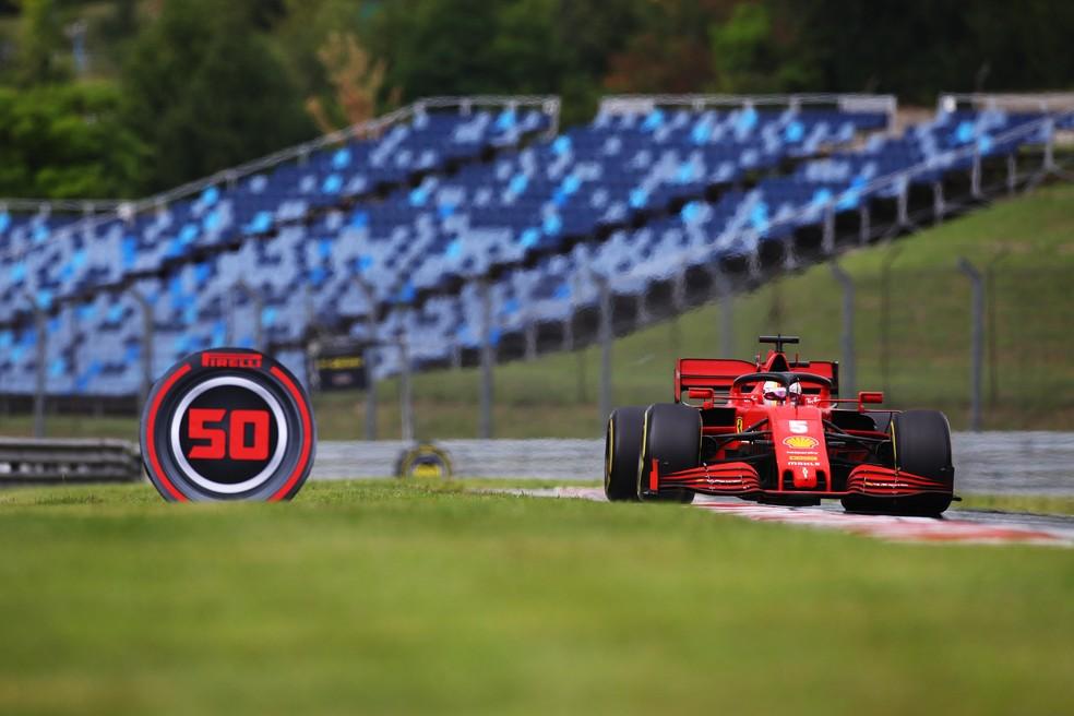 Sebastian Vettel vem tendo dificuldades na temporada 2020 com a Ferrari — Foto: Mark Thompson/Getty Images