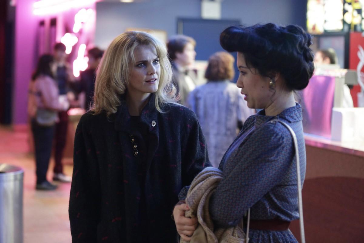 Ruthie Ann Miles na série The Americans (Foto: Divulgação)