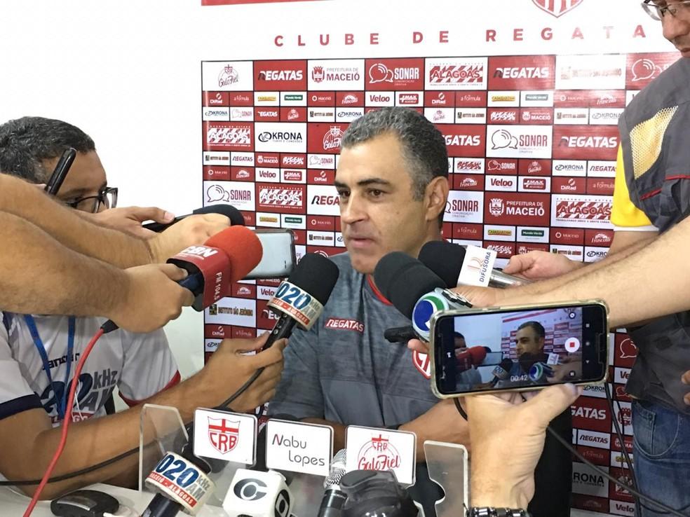 Marcelo Chamusca ficou satisfeito com atuação do CRB — Foto: João Alvim/GloboEsporte.com