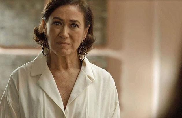 No capítulo de quarta (20), Valentina (Lília Cabral) pedirá que Lourdes (Bruna Linzmeyer) denuncie Olavo (Tony Ramos) por assédio. (Foto: TV Globo)