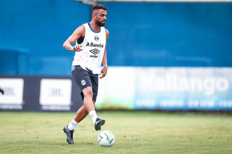 Maicon no treino desta terça no CT Luiz Carvalho — Foto: Lucas Uebel / Grêmio FBPA