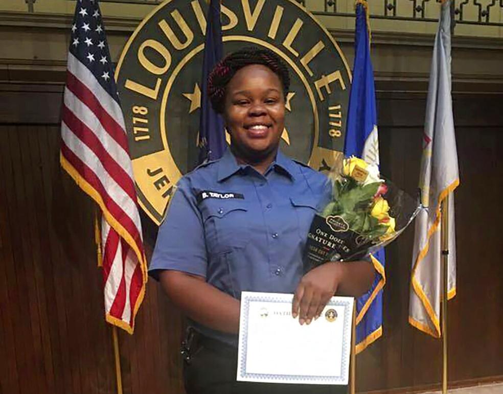 Breonna Taylor, jovem morta em ação policial nos EUA em março — Foto: Courtesy of Taylor Family attorney Sam Aguiar via AP, Arquivo