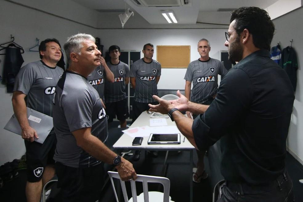 Marcos Paquetá trocou ideia com Valentim na última sexta (Foto: Vítor Silva / SS Press / BFR)