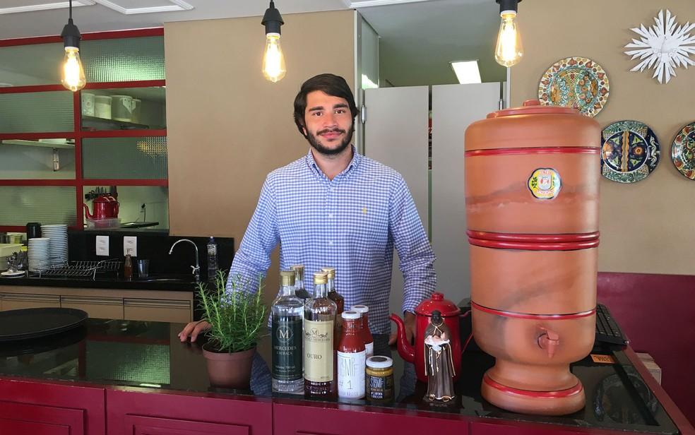 João Gabriel Amaral, dono do Café um Chêro, na 109 Norte (Foto: Luiza Garonce/G1)