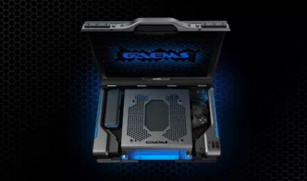 Maleta permite inserir PS4 ou Xbox One e jogar em qualquer lugar — Foto: Divulgação/GAEMS