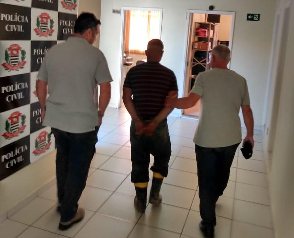 Suspeito foi preso em investigação da Polícia Civil em Avaré (SP) — Foto: Polícia Civil/Divulgação