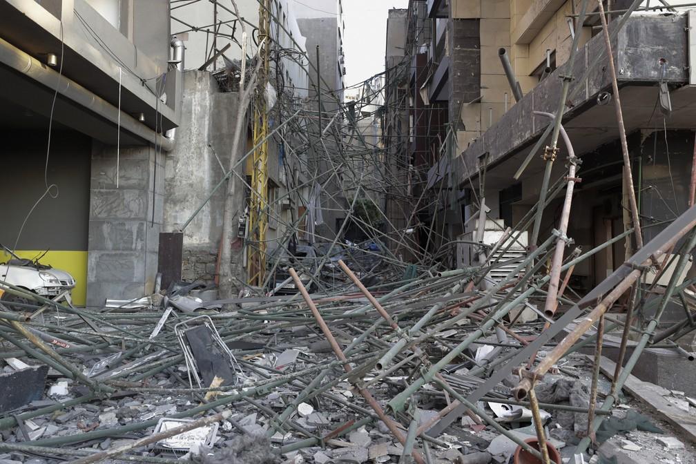 5 de agosto - Prédios danificados são vistos após explosão em Beirute, Líbano — Foto: Hassan Ammar/AP