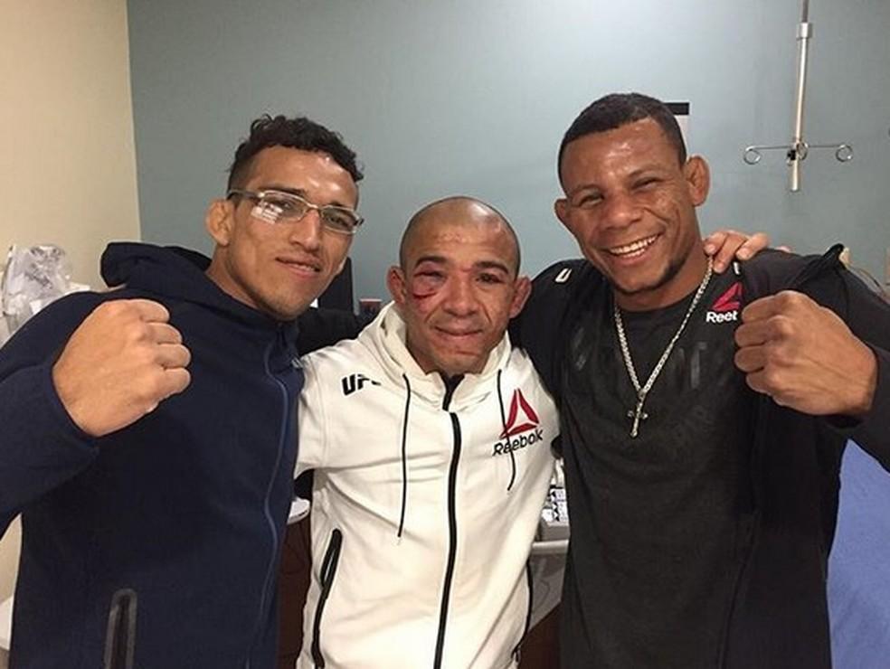Charles do Bronx, José Aldo e Alex Cowboy após o UFC 218 (Foto: Reprodução / Instagram)