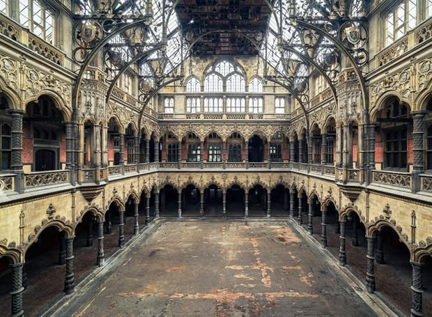 Pavilhão em Antuérpia, cidade histórica no interior da Bélgica (Foto: Michael Schaw/ Reprodução)