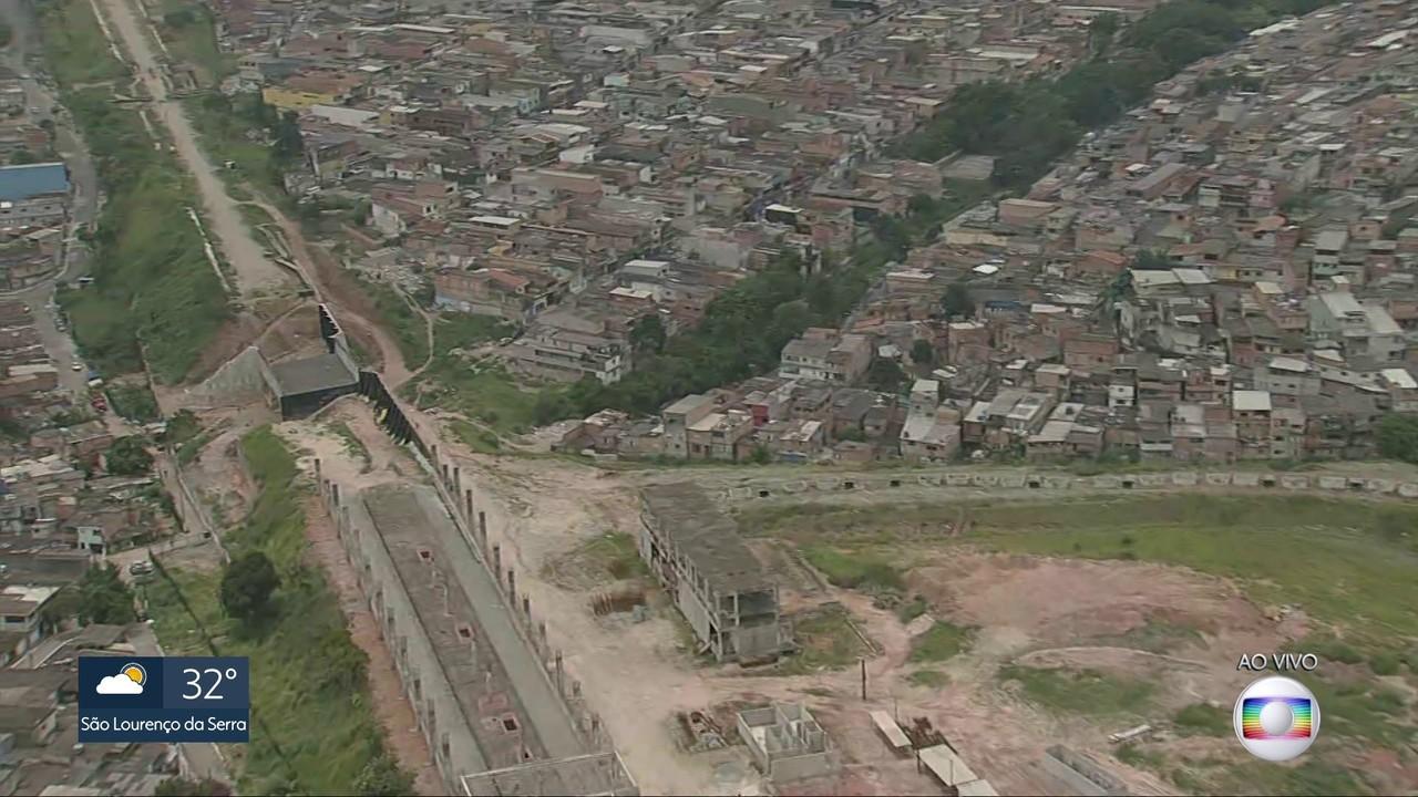 Moradores da Zona Sul reclamam da demora nas obras da estação Varginha