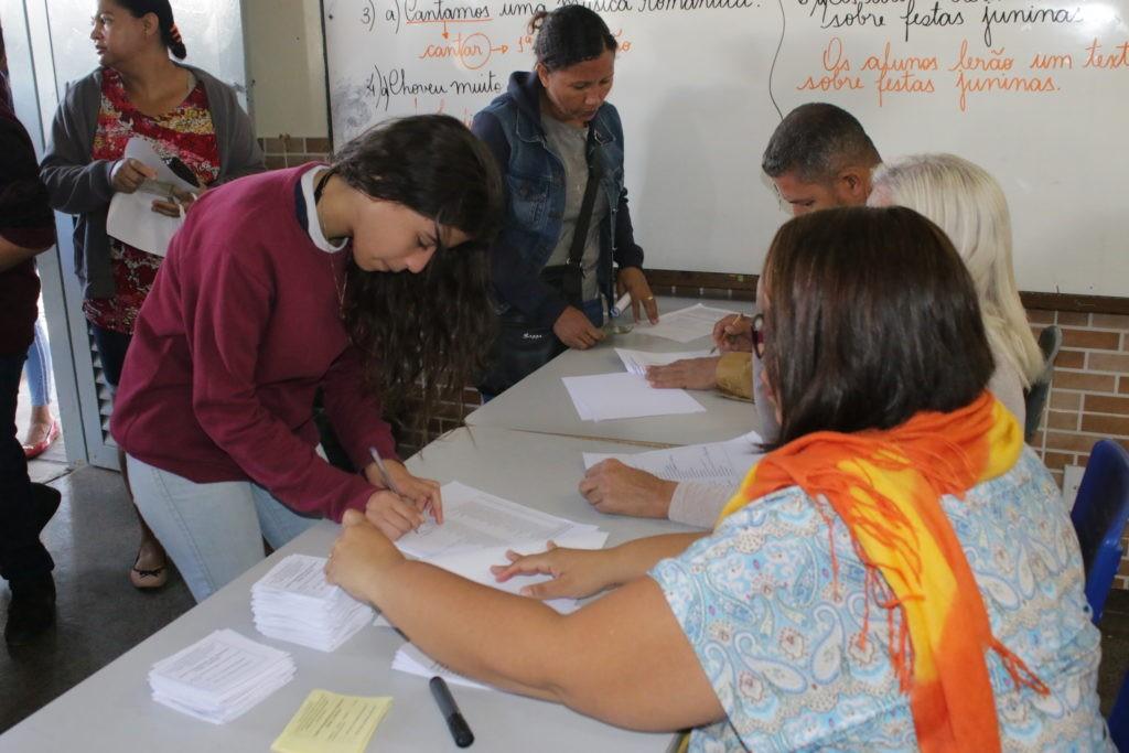 Gestão compartilhada com PM é aprovada em três de cinco escolas públicas do DF onde houve votação no sábado  - Notícias - Plantão Diário