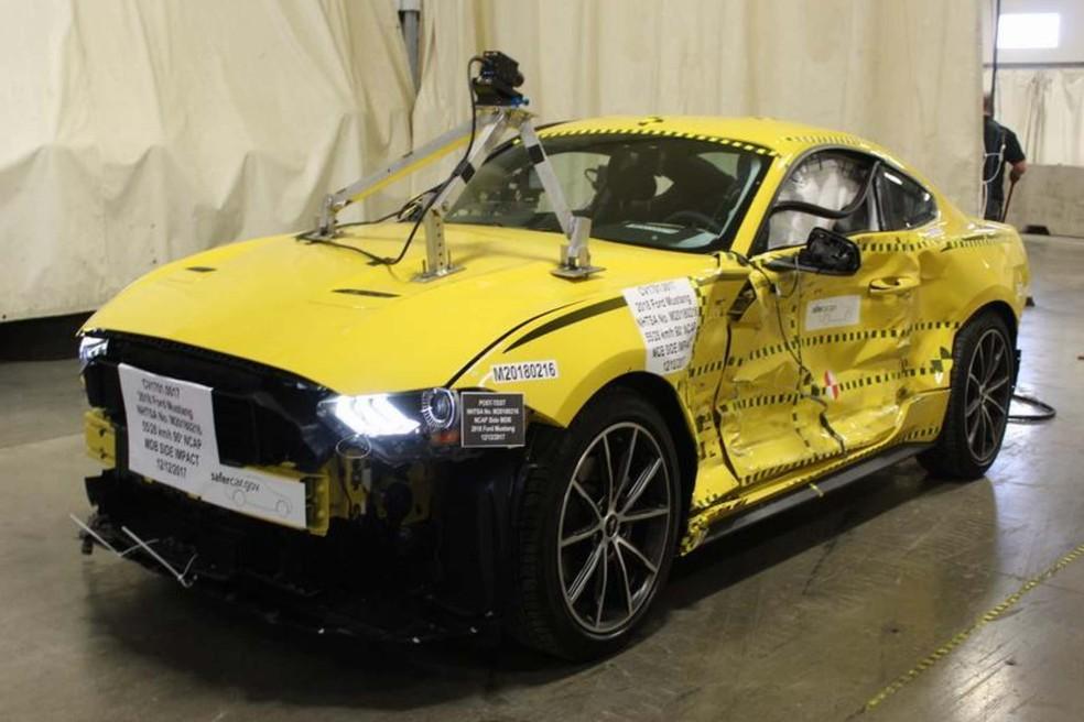 Ford Munstag que foi utilizado em testes de colisão nos EUA e pôde ser leiloado como sucata.  — Foto: Divulgação