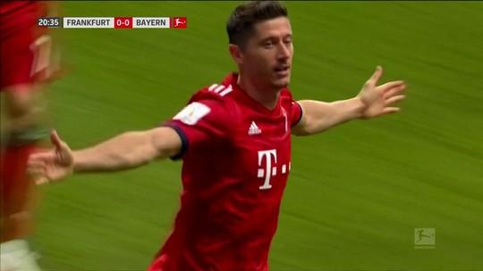 E aí, Real? Cobiçado, Lewandowski dá sinal de nova temporada cheia de gols