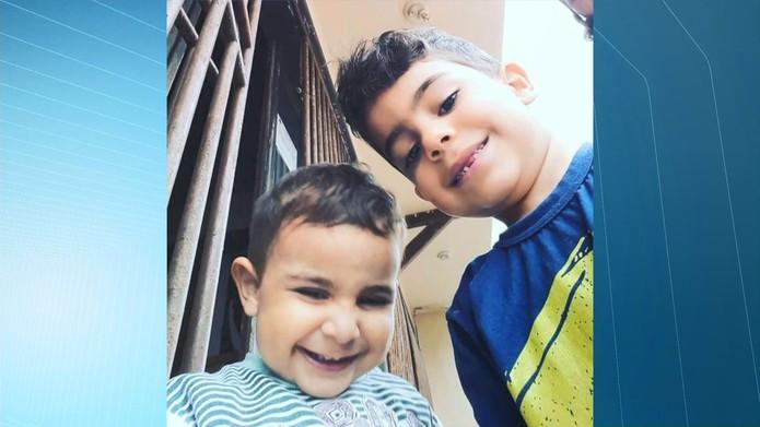 Meninos de 3 e 6 anos morreram carbonizados em incêndio em Linhares, no Espírito Santo (Foto: Raphael Verly/ TV Gazeta)