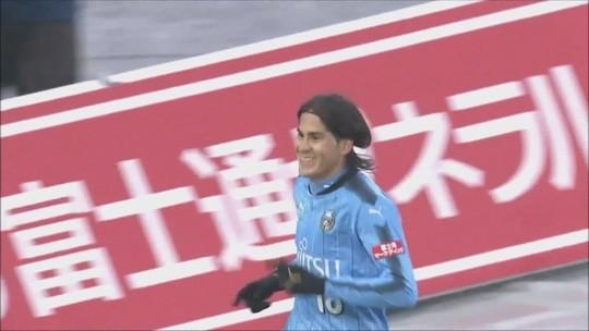 Elsinho marca gol da vitória do Kawasaki contra T. Osaka e mantém time na vice liderança