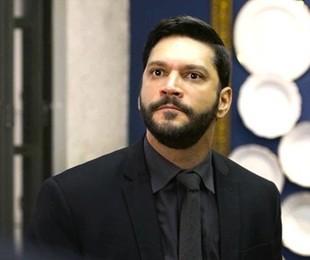 Diogo (Armando Babaioff) será preso depois de invadir a mansão e fazer Nana (Fabiula Nascimento) como refém | TV Globo