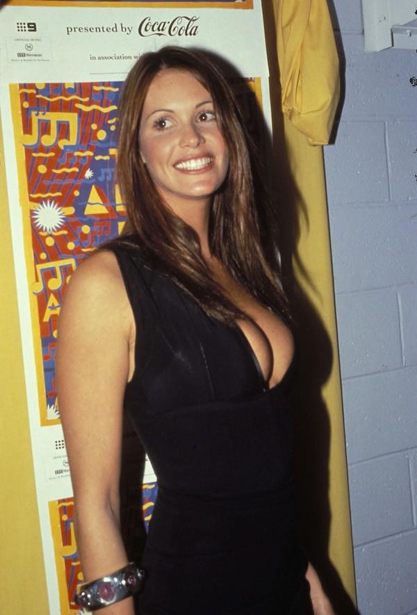 A modelo Elle Macpherson em um evento no ano de 1993 (Foto: Getty Images)