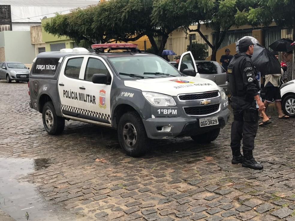 Suspeito de assalto é morto na Zona Leste de Natal (Foto: Kleber Teixeira/Inter TV Cabugi)