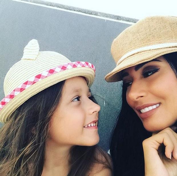 Simaria e filha  (Foto: Reprodução)