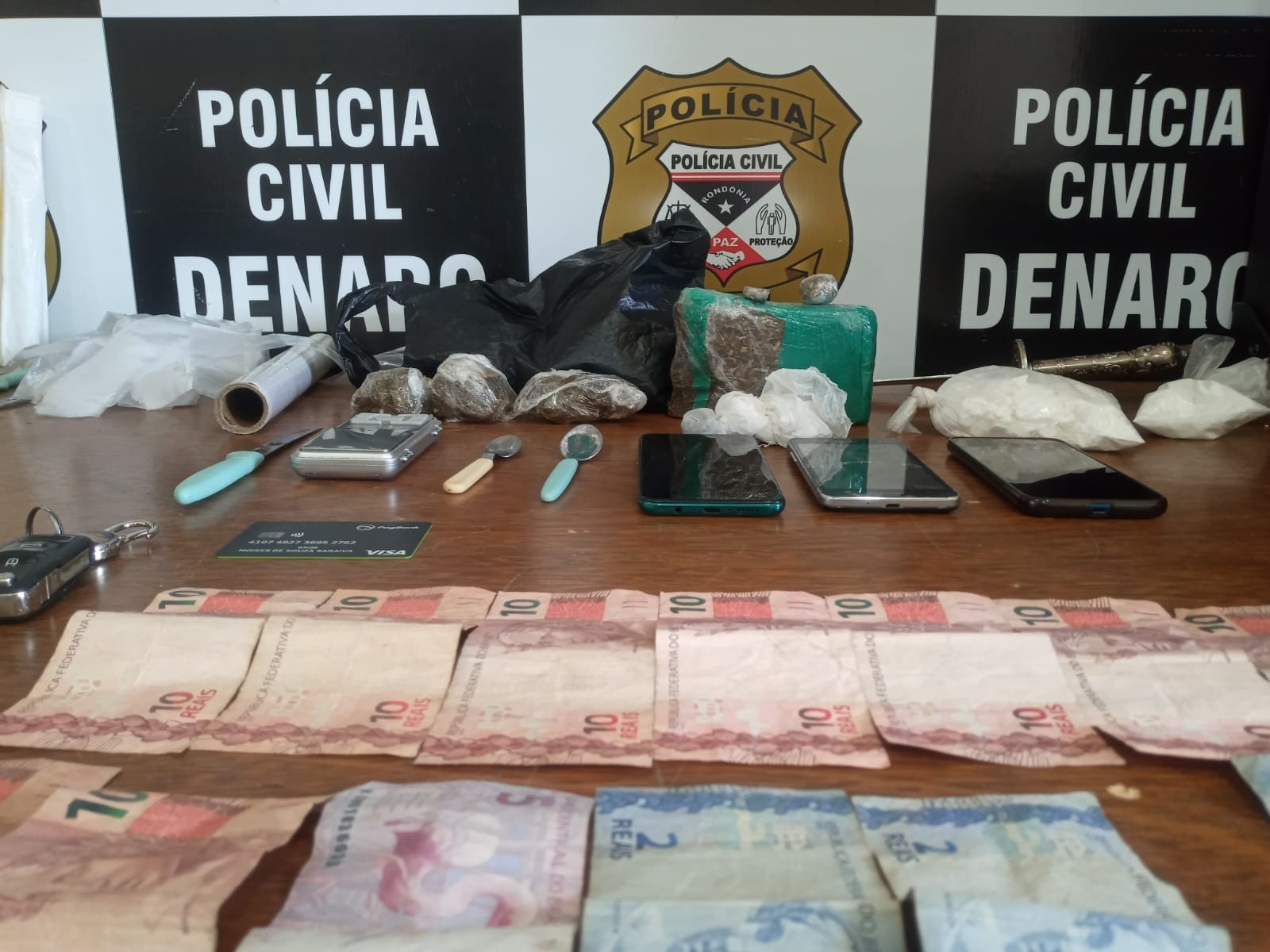 Denarc prende dois homens e apreende drogas no 'Beco da Maconha' em Porto Velho