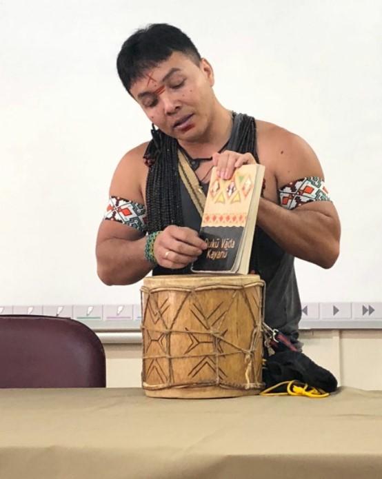 Aos 32 anos, indígena do povo Puyanawa, no Acre, ganha bolsa para cursar doutorado nos EUA: 'Sonho'