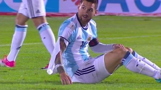 Ele está em todos os lugares: Messi se agiganta, mas não consegue fazer tudo só