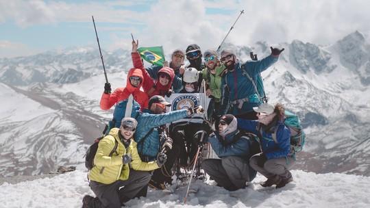 Fundadores do 'Montanha para Todos' batem recorde pessoal de montanhismo