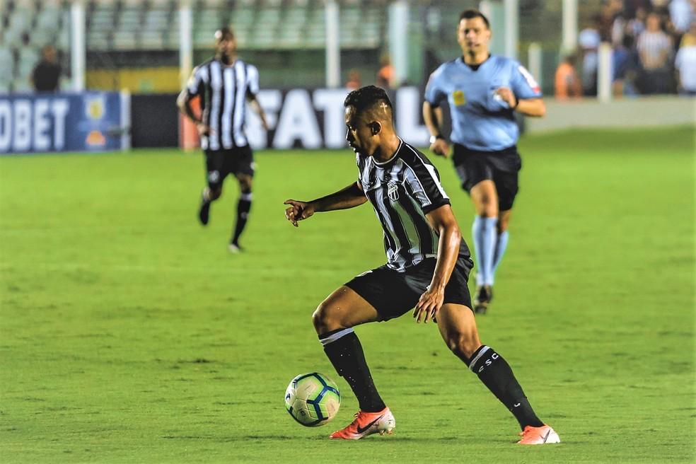 Lima atuou pelo Ceará no Brasileirão de 2019 e renovou o empréstimo — Foto: Felipe Santos/Cearasc.com