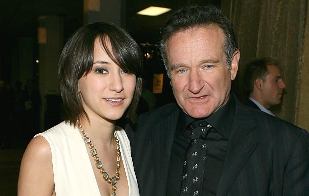 """Zelda Williams, filha do ator Robin Williams, morto aos 63 anos em 11 de agosto último, recebeu tantas mensagens ofensivas por ter mostrado que superou o falecimento do pai que tweetou com ironia: """"Desculpa. Eu jamais deveria ter lidado bem [com a morte]. (Foto: Getty Images)"""