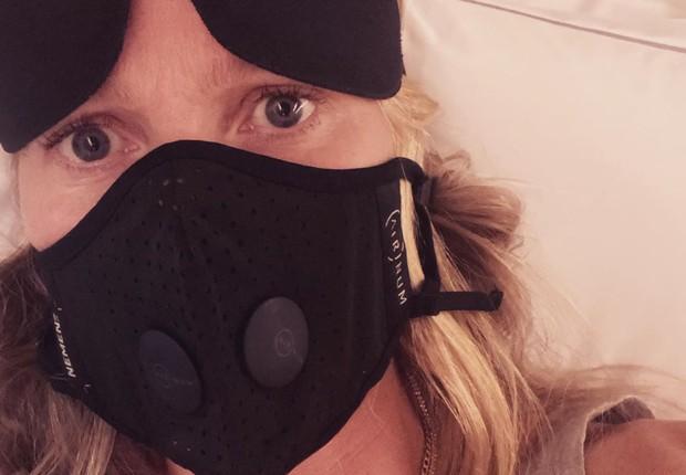 Gwyneth Paltrow com máscara da Airnium em post no Instagram (Foto: Reprodução/Instagram)