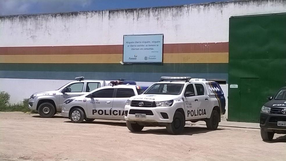 Ainda não há informações se alguém ficou ferido durante a rebelião na Funase de Caruaru (Foto: Amanda Dantas/TV Asa Branca)