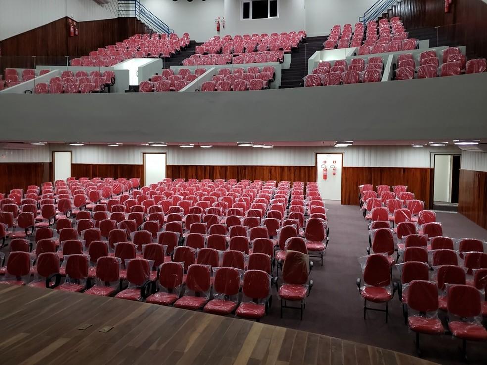 Capacidade do Teatro Lauro Monte Filho é de 483 pessoas — Foto: João Vital