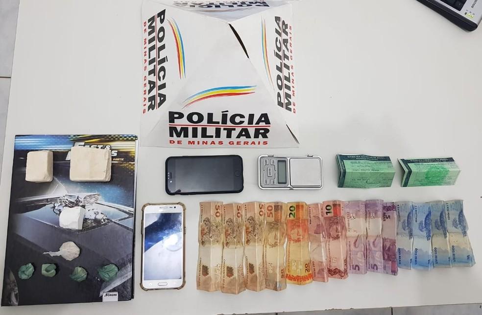 Material foi aprendido na casa do denunciado — Foto: Polícia Militar/Divulgação