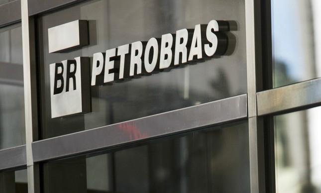 Resultado de imagem para Petrobras vai à Justiça contra  bancos