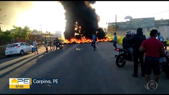 Protesto na PE-90 cobra colocação de redutor de velocidade na rodovia