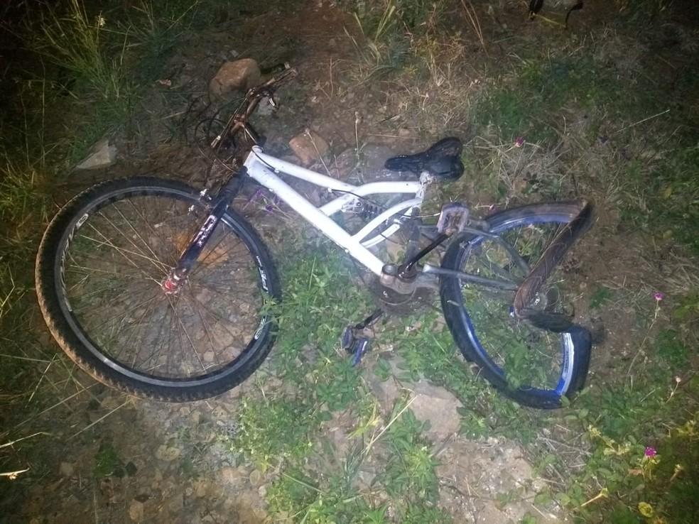 Casal foi atropelado na PR-170, em Guarapuava — Foto: PRE/Divulgação