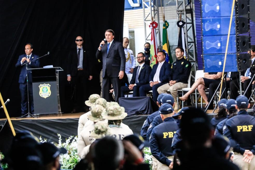 Presidente Bolsonaro fez discurso curto durante evento em Florianópolis e falou sobre Estados Unidos — Foto: Diorgenes Pandini/ NSC