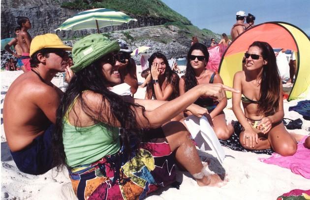 Em 1992, gravando o 'Programa legal' sobre surfe na Prainha, no Rio  (Foto: Marcia Foletto)