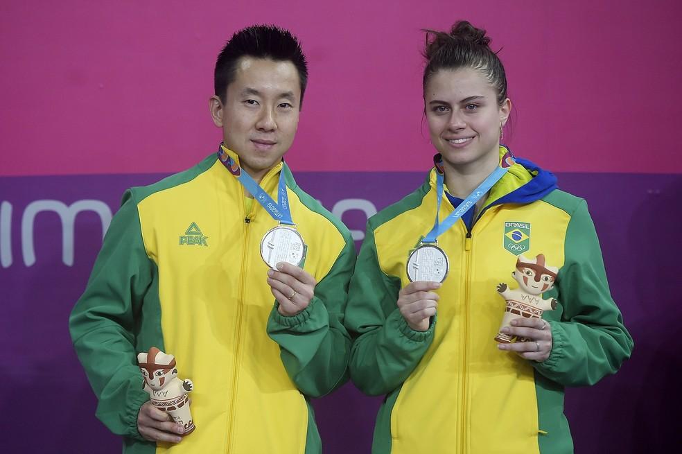 Mesa-tenistas Gustavo Tsuboi e Bruna Takahashi — Foto: Alexandre Loureiro / COB